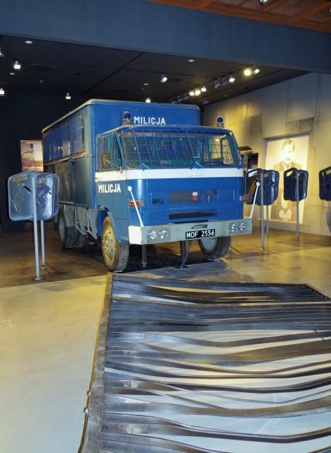 Europeiska Solidaritets Centrum, Gdańsk, Luciakuppen. Guidad tur om Lech Walesa, Solidaritet, Gdansk varvet – Hit The Road Travel