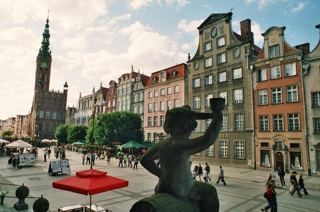 Gdansk - Dlugi Targ (Långa Torget), norra sidan. Resa med veteranspårvagn – Hit The Road Travel
