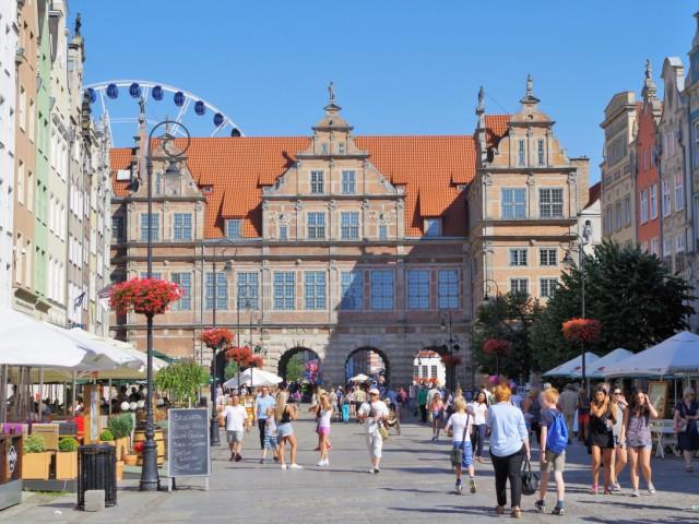 Gröna Porten på Långa Torget i Gdansk. Bussgrupper till Polen – Hit The Road Travel