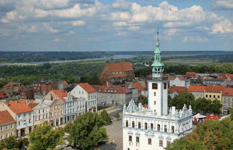 Chelmno - Torget och Rådhuset. Polenresor – Hit The Road Travel