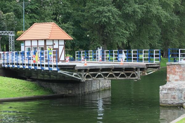 Svängbro i Gizycko. Bussresor till Polen – Hit The Road Travel