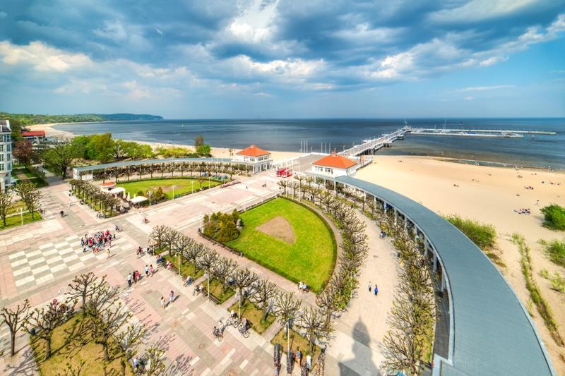 Sopot, en vy från fyrtornet mot träpiren. Resa till Sopot, Gdansk och Gdynia – Hit The Road Travel