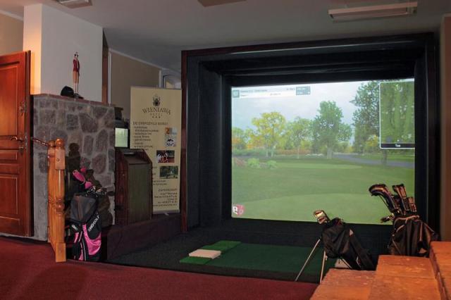Full Swing - golfsimulator. Spela golf i Polen, golfresa Polen, golf i Polen – Hit The Road Travel