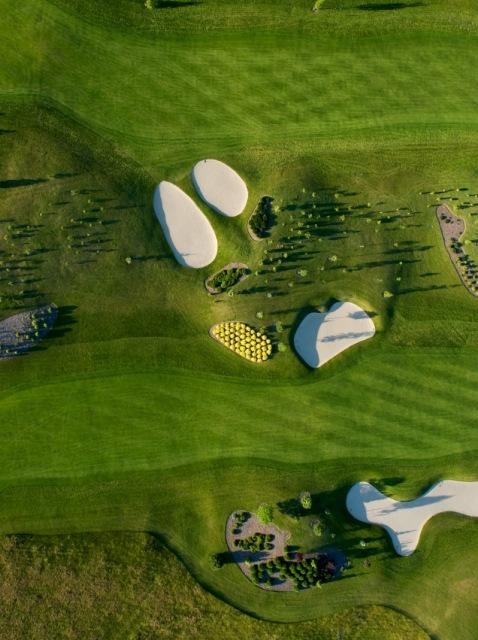 Golfbana. Pilgrimsresa till Polen – Hit The Road Travel