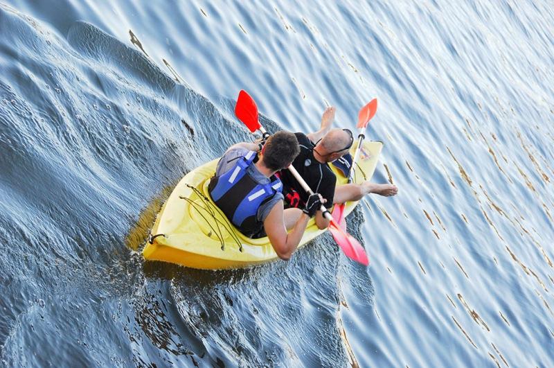 Paddling på floden Piasnica. Aktivitetsresor till Polen, träningsresor till Polen – Hit The Road Travel