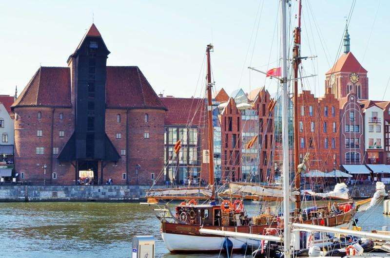 Gdansk, Mastkranen i gamla hamnen. Temaresa till Gdansk – Hit The Road Travel