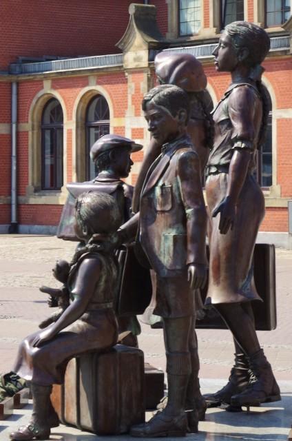 Statyn för Kindertransporter för Gdansk. Gdansk guidad tur, Gdansk guide – Hit The Road Travel