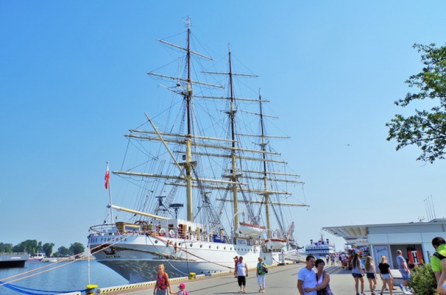 Fullriggaren Dar Pomorza, Gdynia