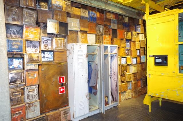 Europeiska Solidaritets Centrum - del av utställningen kallad Solidaritets början. Historiska resor till Gdansk – Hit The Road Travel