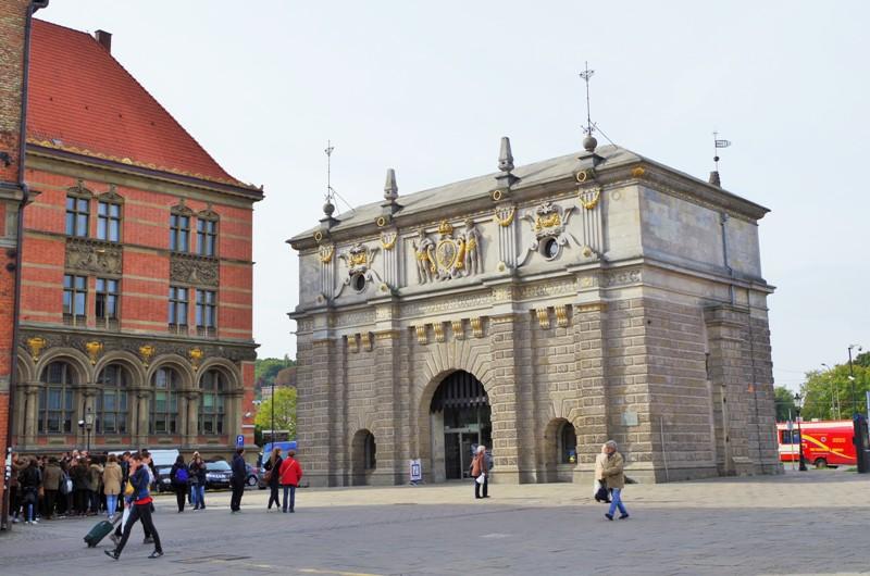 Höglandsporten i Gdansk. Militärhistoriska resor till Polen – Hit The Road Travel