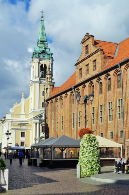 Torun - Gamla Stadens Torg. Polenresor – Hit The Road Travel