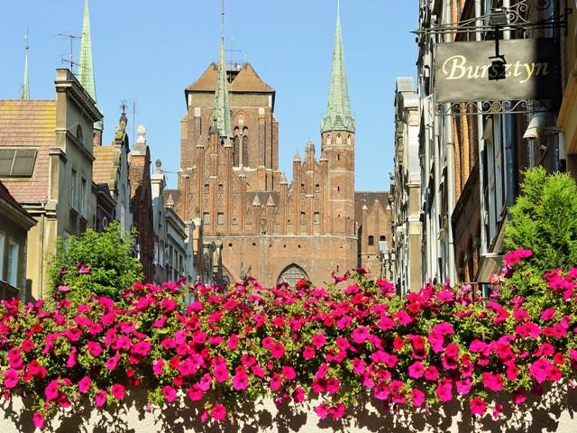 Gdansk, vy över Mariakyrkan och Mariagatan. Bussgrupper till Polen – Hit The Road Travel