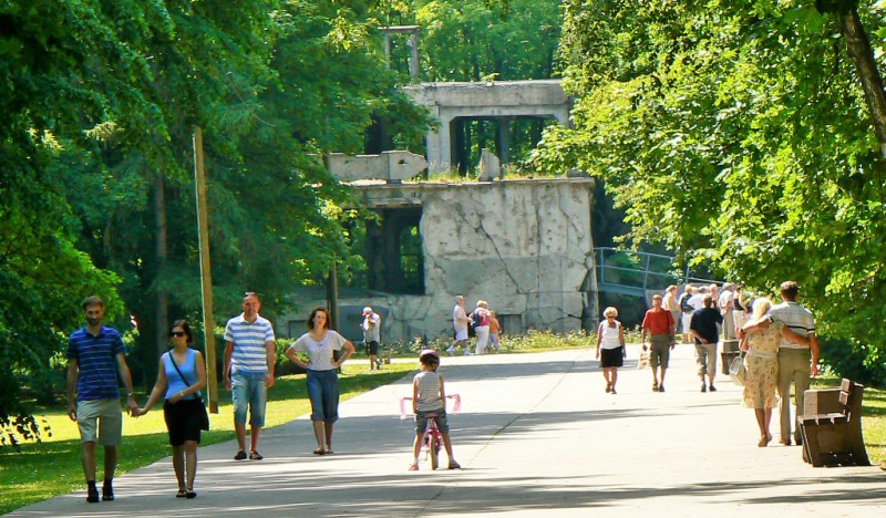 Nya Kasernen, Westerplatte. Historiska resor till Polen – Hit The Road Travel