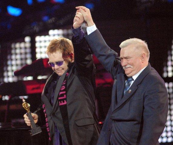 Lech Walesa och Elton John. Guidad tur om Lech Walesa, Solidaritet, Gdansk varvet – Hit The Road Travel