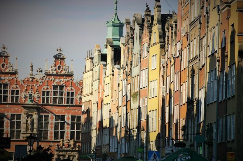 Piwnagatan och Stora Arsenalen i solsken. Militärhistoriska resor till Polen – Hit The Road Travel