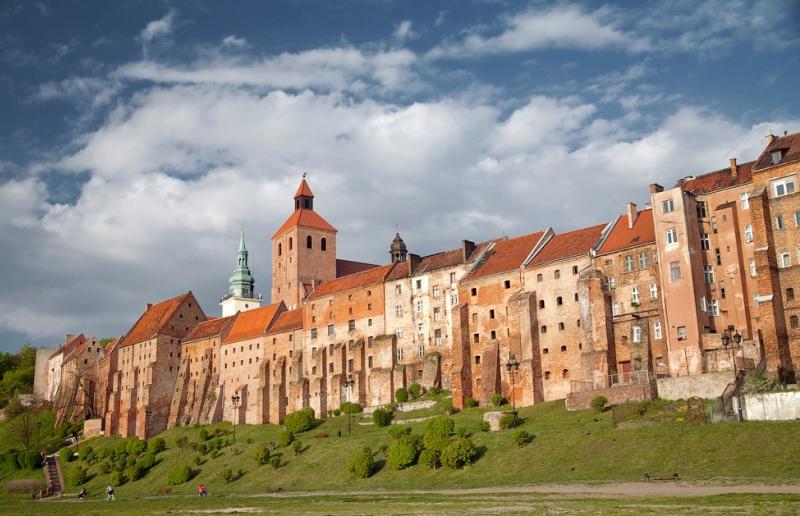 Grudziadz, spannmålsmagasin vid Wisla. Militärhistoriska resor till Polen – Hit The Road Travel