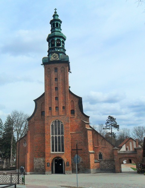 Kyrka i Kartuzy. Pilgrimsresa till Polen – Hit The Road Travel