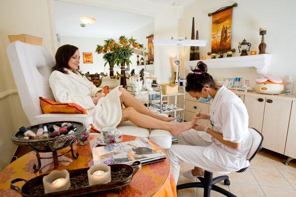 Kosmetiska behandligar, skönhetssalong. Sparesa till Polen – Hit The Road Travel