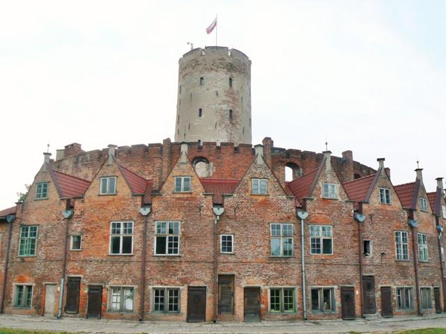 Officerarnas hus i fästningen Wisloujscie, Gdansk. Bussgrupper till Polen – Hit The Road Travel