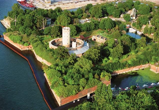 Utsikt över fästningen Wisloujscie, Gdansk. Bussgrupper till Polen – Hit The Road Travel