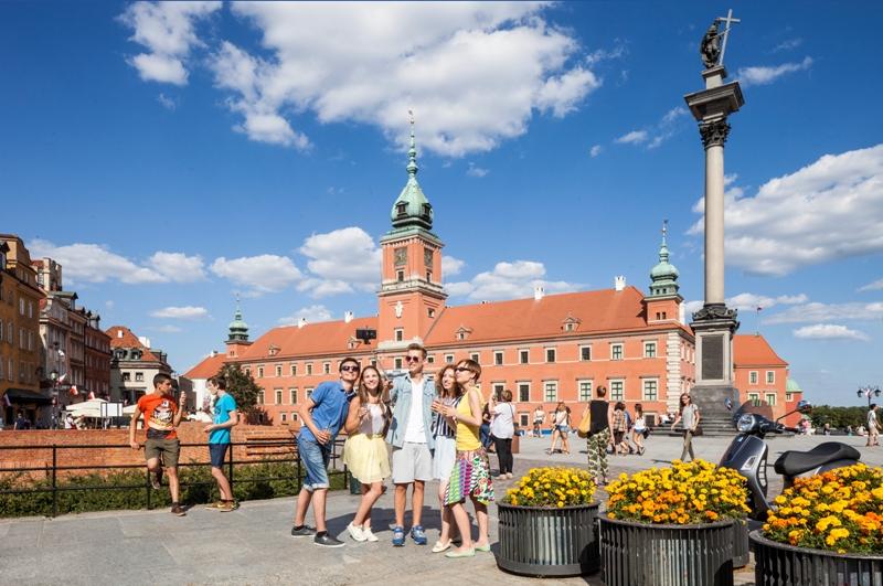 Kungliga slottet och monumentet för Sigismund i Warszawa. Resa till Warszawa – Hit The Road Travel