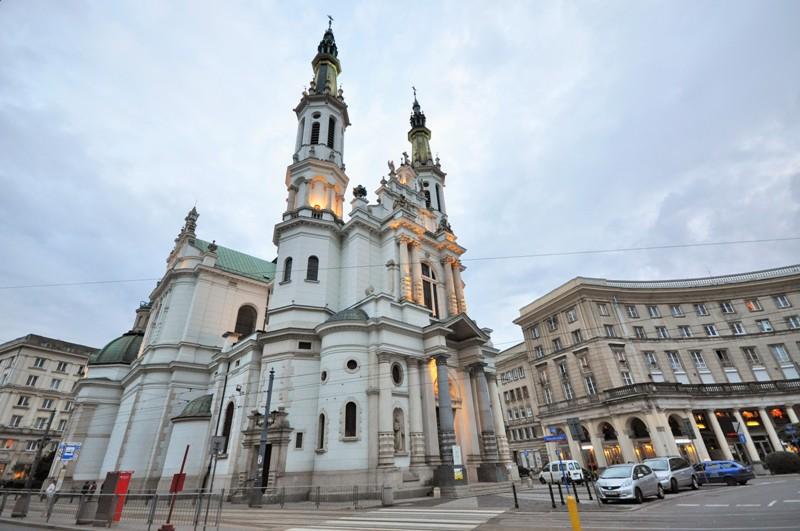 Zbawicielatorget i Warszawa. Resa till Warszawa - Hit The Road Travel