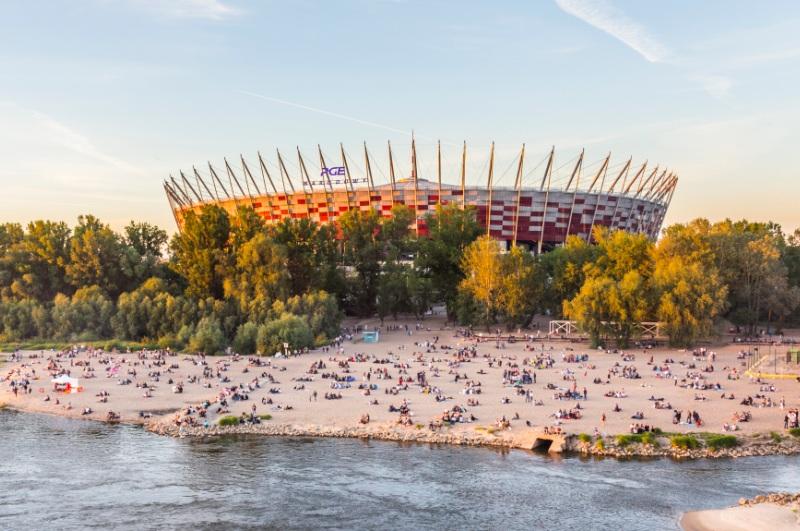 Fotbollsarena Narodowy i Warszawa. Resa till Warszawa - Hit The Road Travel